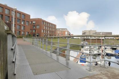 Voetgangersbrug en leuningwerk Scheveningse haven